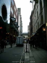 london-090
